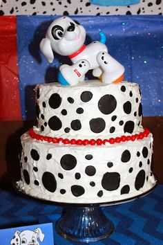 A Bug's Life: 101 Dalmatians Baby Shower Dalmatian Party, Puppy Party, Baby Shower Cakes, Baby Shower Themes, Shower Ideas, Firefighter Baby Showers, Brithday Cake, Puppy Cake, Cake Craft
