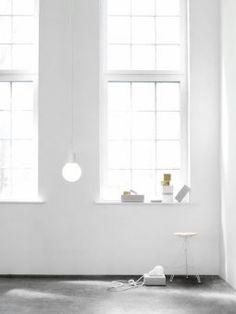 Bulb Fiction lampa wisząca Lightyears, Scandinavian Living Scandinavian Living, Fiction, Bulb, Cable, Onions, Light Bulb, Light Globes, Fiction Writing, Science Fiction