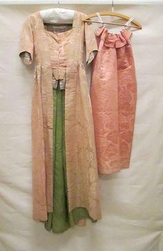 robes à la française dresses women's clothing | Fashion Muse