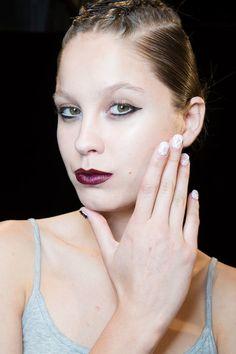 | ClioMakeUp Blog / Tutto su Trucco, Bellezza e Makeup ;) » Smalti primaverili, tra nail art e unghie naturali: tutti i prossimi trend!