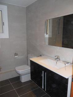 Ideas de Decoracion: Baño, estilo Contemporaneo diseñado por Llorenç Jimenez Torres - Arquitecto Técnico #Decoracion #Contemporaneo #Baño #Sanitarios #Baldosas