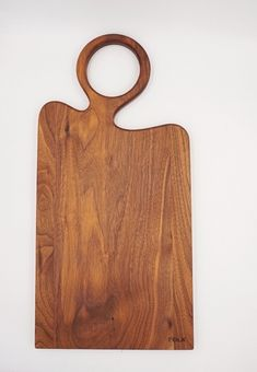 Serve + Cookware from Indie Boutiques Wooden Plates, Wooden Decor, Wooden Diy, Wooden Spoons, Wood Projects, Woodworking Projects, Chris Craft Boats, Workshop Organization, Wood Cutting Boards
