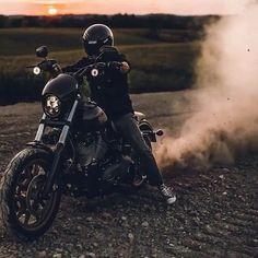 Harley Davidson Bike Pics is where you will find the best bike pics of Harley Davidson bikes from around the world. Harley Davidson Dyna, Harley Dyna, Harley Davidson Street, Harley Davidson Motorcycles, Harley Bobber, Harley Bikes, Triumph Motorcycles, Custom Motorcycles, Ducati