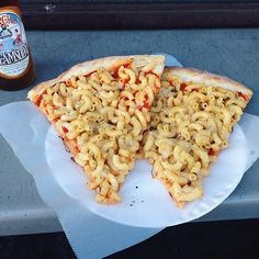 I might have to give this a try at home. Mac and Cheese Pizza at Pizzanista | 28 Droolworthy Junk Food Treats To Eat In L.A.