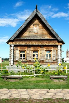 Old wooden house in the town of Suzdal, Russia