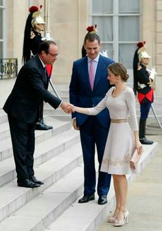 King Felipe and Queen Letizia arrived in Paris today and were greeted by president François Hollande
