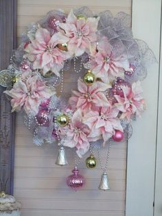 Here are the best Shabby Chic Christmas Decor ideas that& give your room a romatic touch. From Pink Christmas Tree to Shabby Chic Christmas Ornaments etc Tulle Christmas Trees, Vintage Pink Christmas, Shabby Chic Christmas Decorations, White Christmas Ornaments, Christmas Bathroom Decor, Noel Christmas, Christmas Wreaths, Christmas Crafts, Advent Wreaths