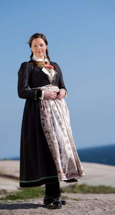 Vest-Agder Folk Costume, Costumes, Looking For Someone, Everyday Dresses, Traditional Dresses, Folklore, Norway, 19th Century, Celtic