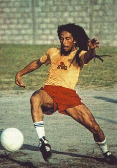 Futbol is freedom. -Bob Marley by Dancehall Reggae, Reggae Music, Bob Marley Sons, Bob Marley Pictures, Bob Marley Quotes, Vintage Black Glamour, One Word Art, Hip Hop And R&b, R Dogs
