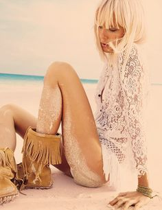 Hippie Beach style ♥- I have those boots. :)