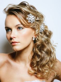 www.bridal-hair-makeup.net #weddings #hairdos #hawaiiprincessbrides