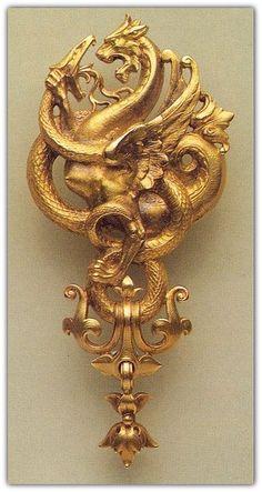 Georges Fouquet. A Gold Art Nouveau Brooch.