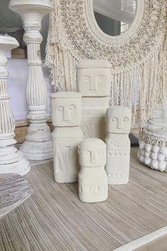 Sumba White Stone Statue Set of 4 – Tropical Interiors Macrame Wall Hanging Patterns, Boho Wall Hanging, Bohemian Interior, Interior Styling, Interior Shop, Bali Style Home, Boho Chic, Bohemian Décor, Bali Decor