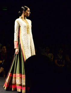 By designer Manish Malhotra. Shop for your wedding trousseau with a personal shopper & stylist in India - Bridelan. Visit our website www.bridelan.com #Bridelan #Bridelanindia #weddinglehenga #ManishMalhotra #Chikankari