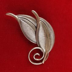 I'm auctioning 'Vintage Sterling Silver Textured Leaf Brooch Stamped Jewel Art CB318 |We combine shipping|No Question Refunds|Bid over $60 for free shipping' on #tophatter