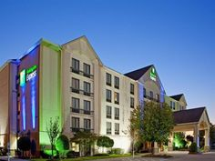 Houston (TX) Holiday Inn Express Sugar Land United States, North America The 3-star Holiday Inn Express Sugar Land offers comfort and convenience whether you're on business or holiday in Houston (TX). Featuring a complete list of amenities, guests will find their stay at the property a comfortable one. Take advantage of the hotel's free Wi-Fi in all rooms, 24-hour front desk, facilities for disabled guests, express check-in/check-out, meeting facilities. All rooms are designed...