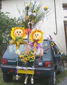 Une #Peugeot 205 en voiture balai ? Et pourquoi pas ? L'idée y est dans la décoration ;-) #mariage