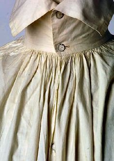 The chest slit was rolled and hemmed and depending on the depth of the opening, may have had a single button and buttonhole. Fascinating article all about shirts. 18th Century Clothing, 18th Century Fashion, Historical Costume, Historical Clothing, Vintage Outfits, Vintage Fashion, 18th Century Costume, Period Outfit, Antique Clothing