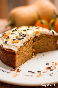 Halloween Butternut Cake - Food for Love - Veganer Kuchen Cake Receipe, Delicious Desserts, Dessert Recipes, Halloween Desserts, Halloween Halloween, Love Eat, Pasta, Vegan Cake, Carrot Cake
