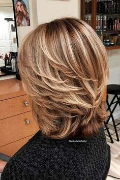 17 Best ideas for hair blonde layers long Classy Hairstyles, Older Women Hairstyles, Modern Hairstyles, Straight Hairstyles, Medium Layered Hairstyles, Modern Haircuts, Shoulder Length Layered Hairstyles, Trendy Haircuts, Medium Hair Cuts