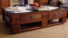 une table de salon en bois de palette recyclé
