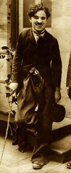 Charlie Chaplin 今だに笑いに悲しみに…感動できる 今のお笑い??って何なの?って思います。誰もテレビ見なくなるはずだわな〜