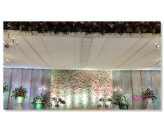 Reception Stage Decor, Wedding Backdrop Design, Desi Wedding Decor, Indian Wedding Receptions, Wedding Stage Design, Wedding Hall Decorations, Wedding Reception Backdrop, Backdrop Decorations, Indian Wedding Stage