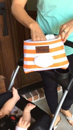 """""""I have been looking for a budget friendly diaper clutch that would be an easy grab-and-go. Baby Kind, Our Baby, Baby Boy, Pochette Diy, Diaper Clutch, Baby Gadgets, Future Mom, Everything Baby, Princesas Disney"""