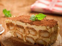 Une recette facile à réaliser et délicieuse de tiramisu au café. Une passionnée de cuisine vous explique étape par étape comment procéder, il n'y a plus...