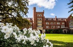 St George's College, Perth, Australia: Character rooms mixed with new, close to UWA and city, easy access to beach, many en suite rooms, breakfast included. River views and access to city park http://www.universityrooms.com/en/city/perth/college/stgeorgescollege