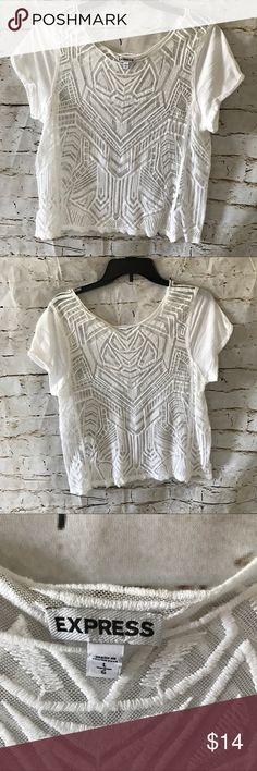 Express Top White sheet Express top Pre-owned no visible flaws Size Large Express Tops Tees - Short Sleeve