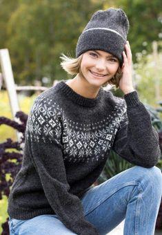 Tussa E-post :: 30 % RABATT på nytt ullgarn fra Gjestal Garn. 🧶 Beret, Turtle Neck, Pullover, Sweaters, Fashion, Threading, Moda, Berets, Fashion Styles