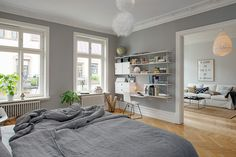 Grey bedroom walls are just perfect - via cocolapinedesign.com