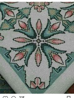 Bargello, Cross Stitch Embroidery, Needlework, Projects To Try, Decor, Crossstitch, Ideas, Table Linens, Rugs