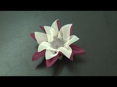 Como fazer forminha para doces com papel crepom ,How to make candy tin with crepe paper , Origami Flowers, Paper Flowers, Candy Making, Crepe Paper, Craft Videos, Wedding Decorations, Projects To Try, Paper Crafts, Simple