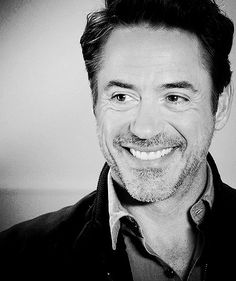 RDJ. Look at that face!! 1000% movie star.