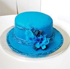Queen Elizabeth's hat cake  by Clara