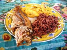 The Hondurans living on the coast and islands enjoy a Garifuna Cuisine, consisting of mostly sea food.