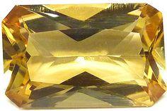 Danburite from Madagascar 5.78 ct / Danburite de Madagascar 5,78 ct - http://www.gems-plus.com
