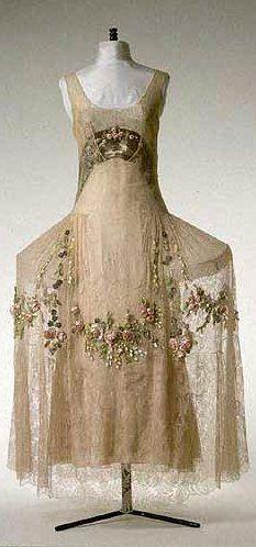 Boué Souers Dress - 1923-25 -- now that's a ROBE De Style