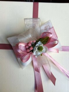 Dettaglio decoro Gift Wrapping, Gifts, Gift Wrapping Paper, Presents, Wrapping Gifts, Favors, Gift Packaging, Gift