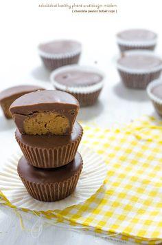 čokoládové košíčky plněné arašídovým máslem Chocolate Peanuts, Chocolate Peanut Butter, Mini Cupcakes, Cheesecake, Food And Drink, Favorite Recipes, Sweets, Breakfast, Penne