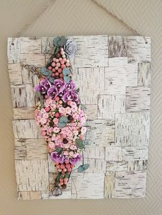 Wall creation, with a lovely mix of and beautiful Flowers. (MoR's)