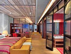 Casinha colorida: Um loft bem planejado e cheio de arte