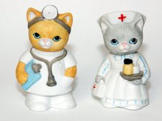 Vtg Giftcraft Taiwan ceramic Cat Doctor Nurse Salt Pepper Shakers