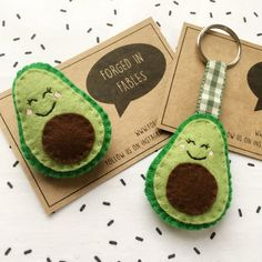 Felt Avocado Brooch or Keyring Felt Crafts Diy, Fabric Crafts, Fun Crafts, Arts And Crafts, Diy Keyring, Felt Keychain, Craft Projects, Sewing Projects, Felt Brooch