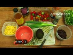 Watch this yummy food preparation... my stomach's beginning to growl!