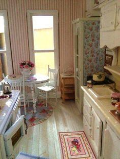 Love this warm, cozy, vintage kitchen.