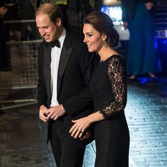 13.11.2014:  Kate stepped out with her husband Prince William to enjoy the Royal Variety Show