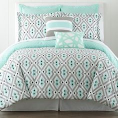 Bedding - love the teal and grey